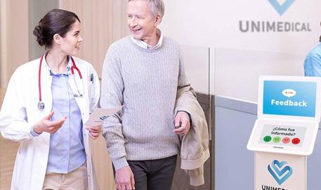 Los terminales HappyOrNot permiten medir la satisfacción de los pacientes de los hospitales